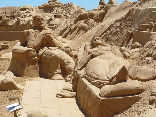 Freud Sand Sculpture
